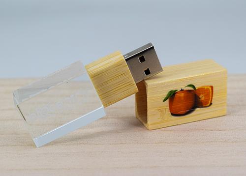 海外客户携手斯乐克u盘生产商定制u盘创意个性竹木水晶u盘